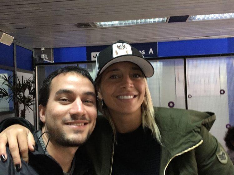 Selfie de Sol Perez y yo, en el aeropuerto de San Juan, Argentina